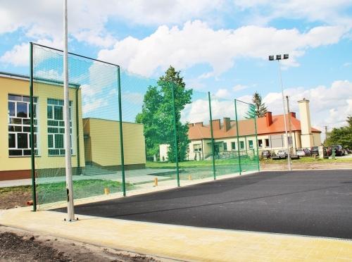 Siatki na piłkochwyty i konstrukcje piłkochwytów